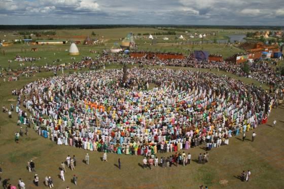 Самый большой хоровод в мире для Книги рекордов Гиннеса в Якутии